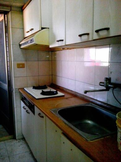 廚房重貼磁磚