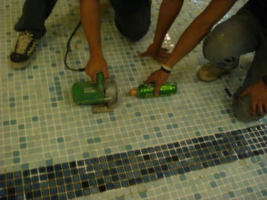 泳池磁磚修補