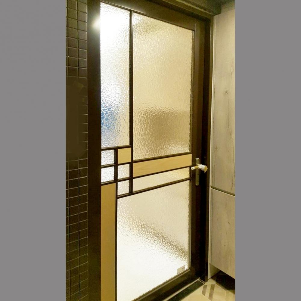 烤漆玻璃白鐵門