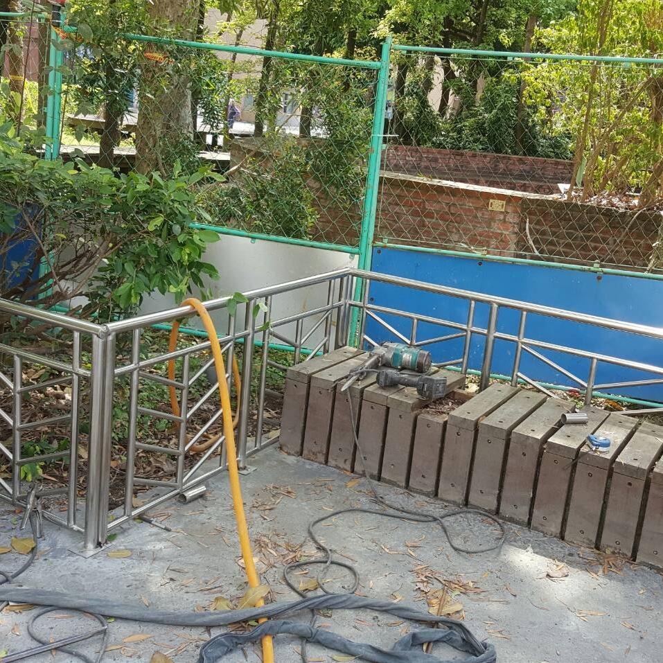 圍欄杆施工