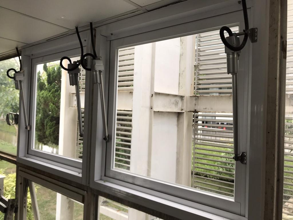 自然排煙窗電動螺桿-雲林縣斗六成大醫院