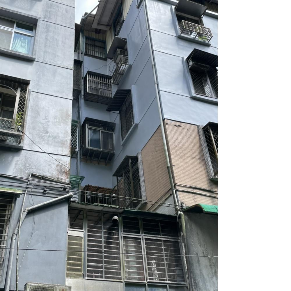 內湖區外牆防水工程吊車作業