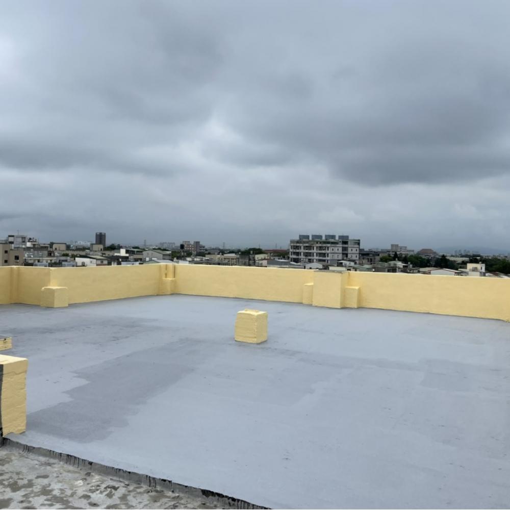 龍潭區頂樓地坪敲除泥作工程 防水隔熱工程