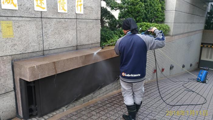人工高壓機沖洗作業