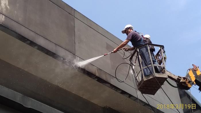專業高空吊車清洗作業