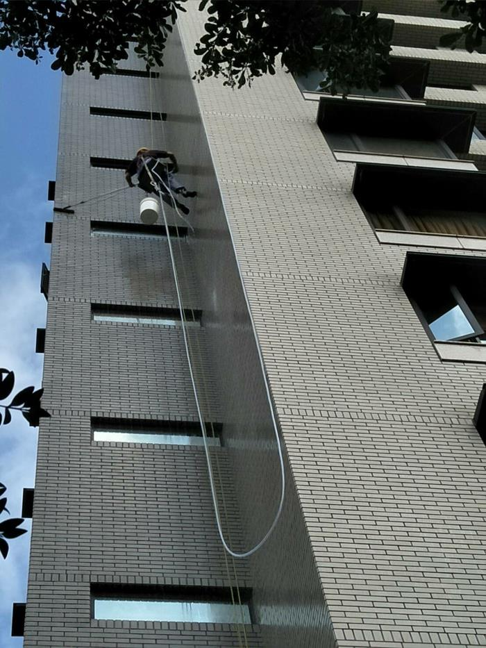 新北市大樓雙繩垂降作