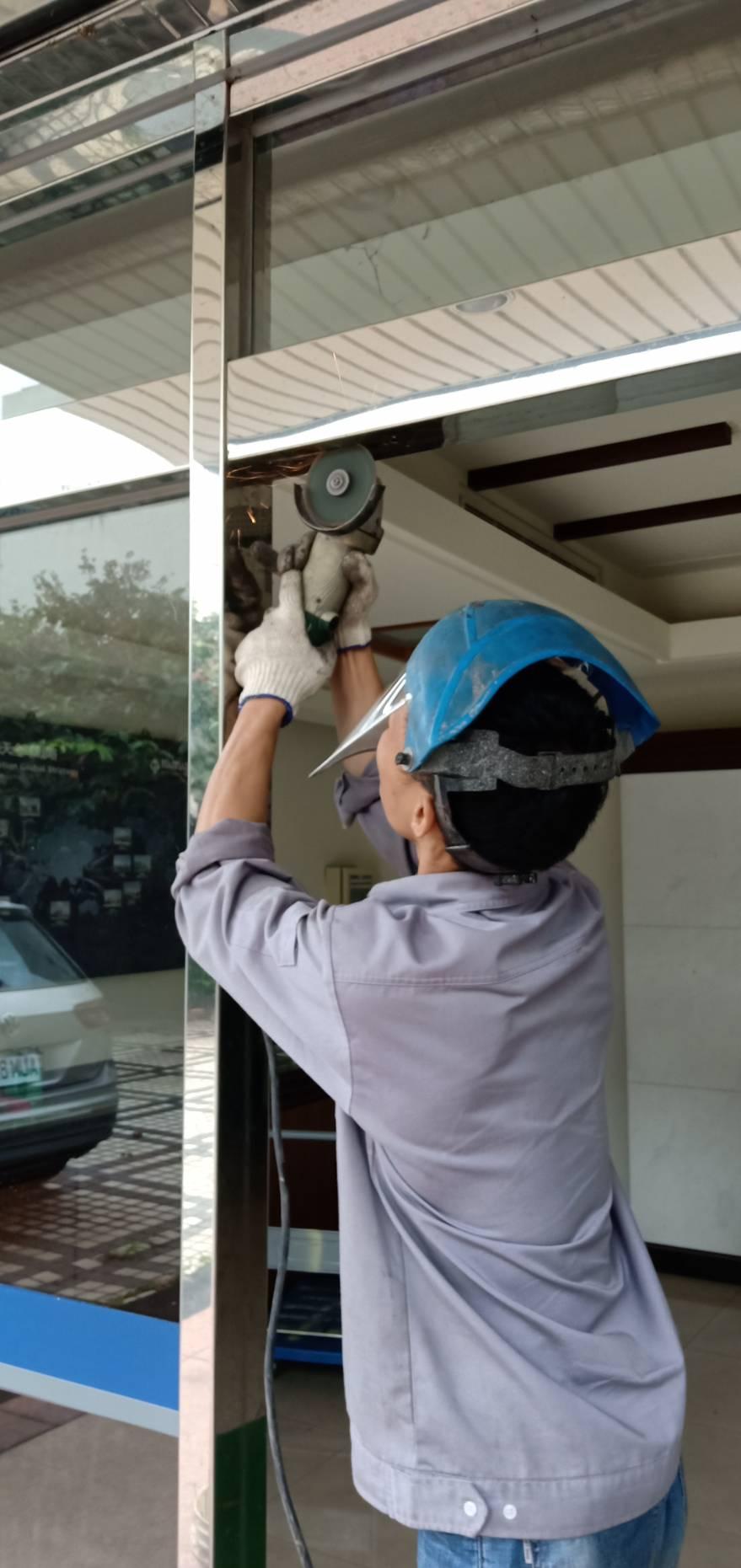 維修電動玻璃門