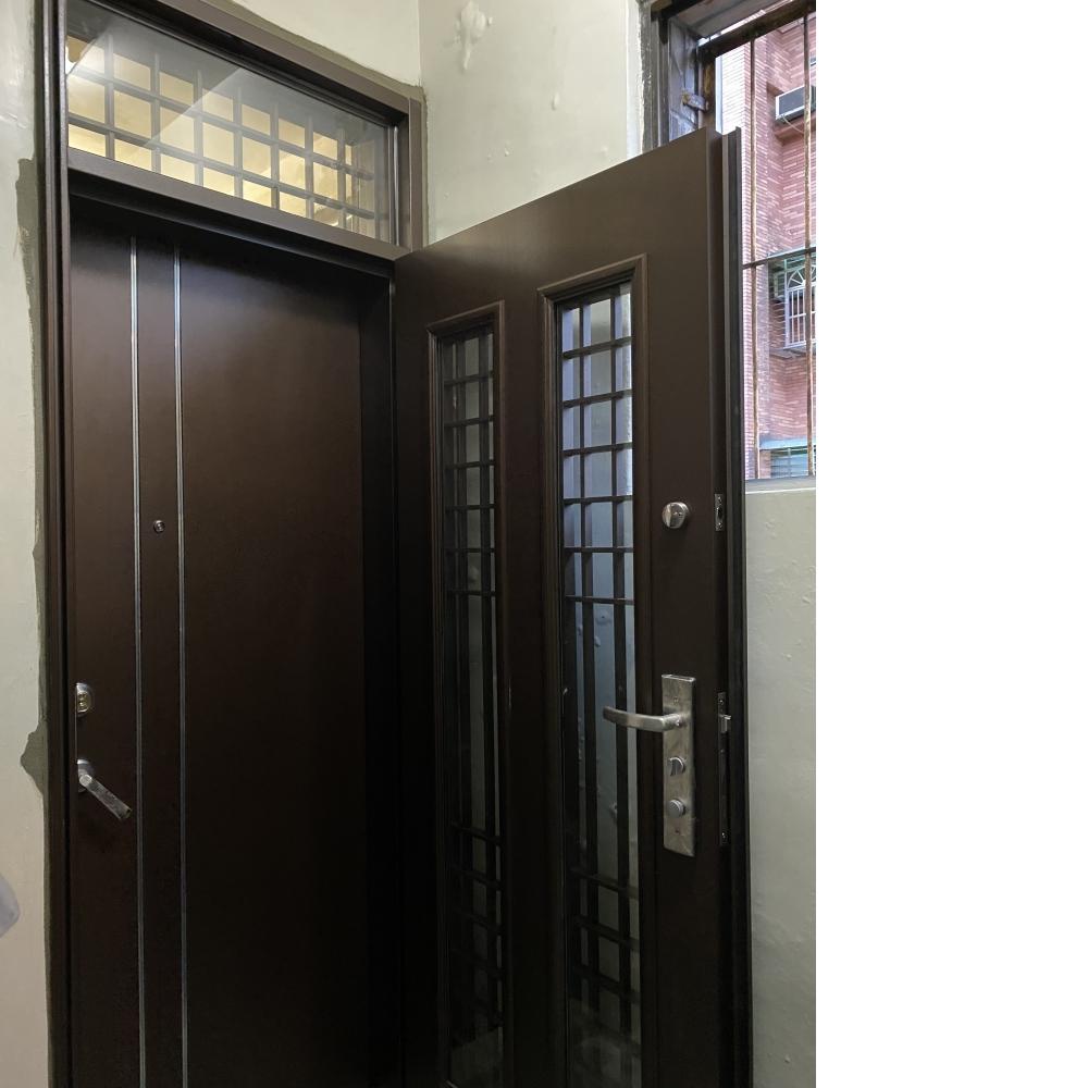安裝2樘雙玄關門