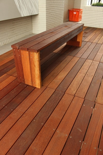 巴魯設計_水曲柳浮雕系列複合式地板. 本色 美瑞格耐磨地板.時尚橡木 白櫸木 集成實木樓梯板 鐵木室外材