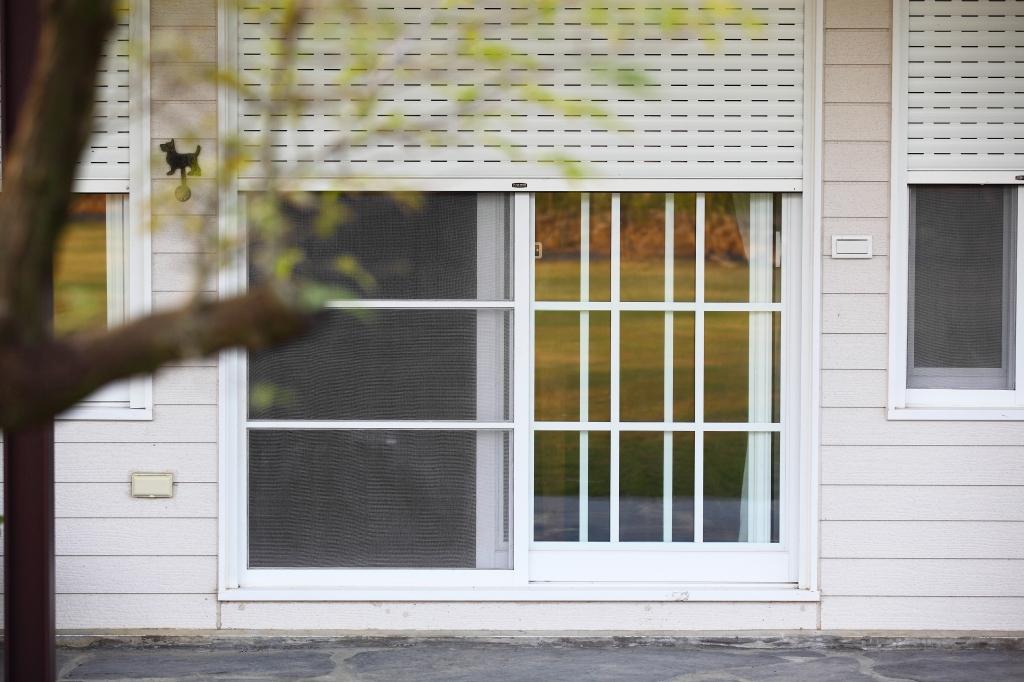 電動防颱捲窗