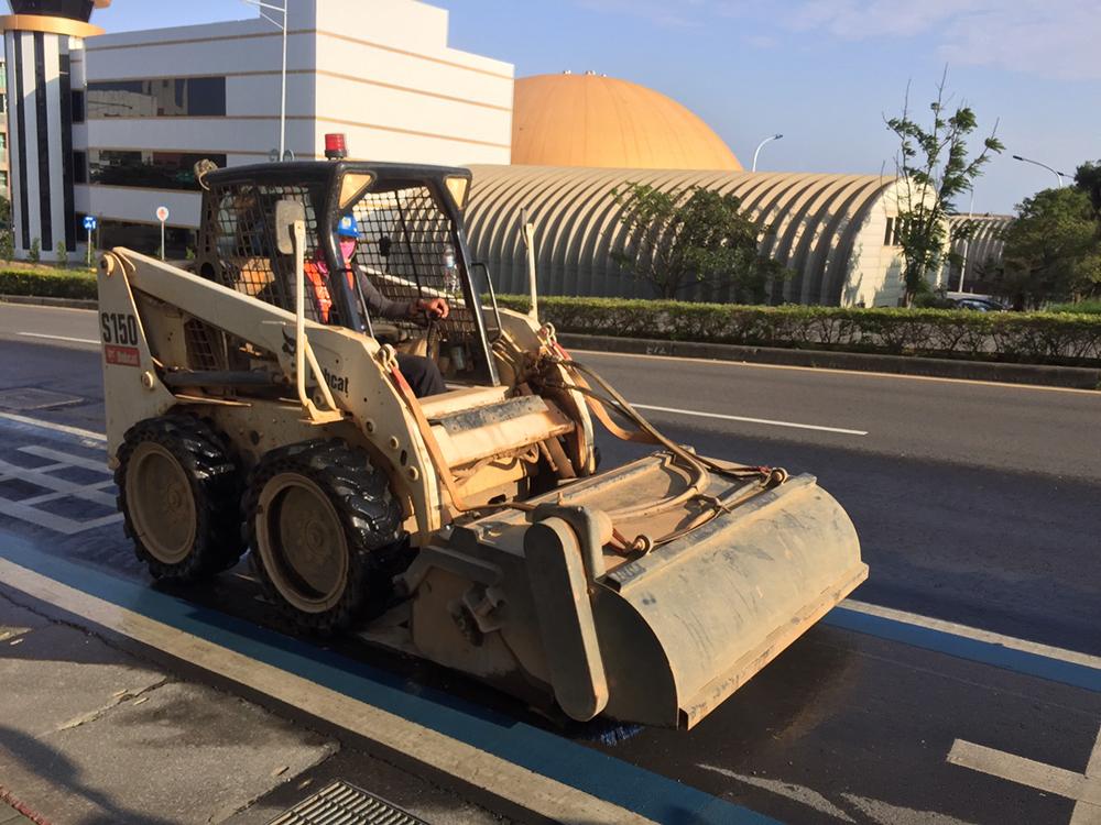 挖土機及各類工程機具出租