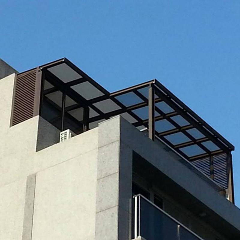 有玻璃插槽鋁骨架
