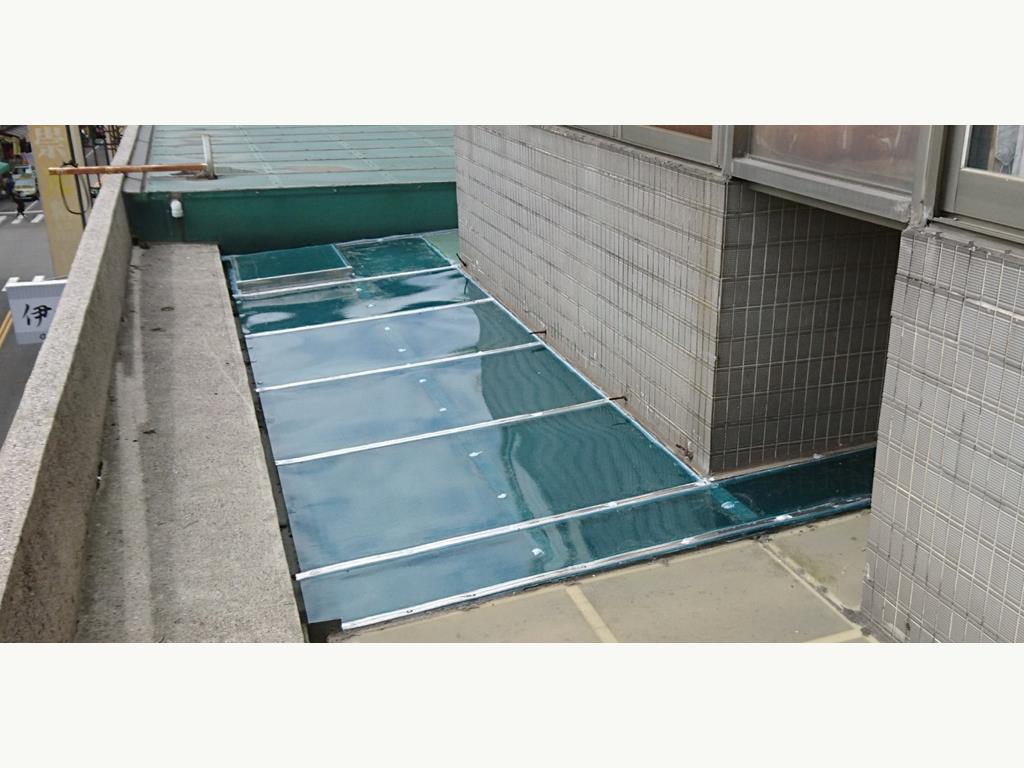 PC板 / 霧光板 / 塑鋁板 /LE板 採光罩