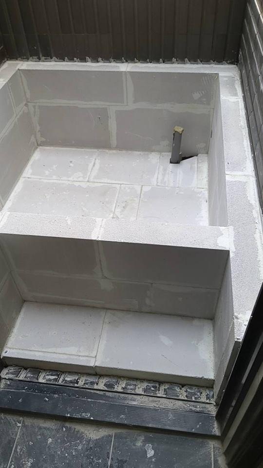 浴缸-石膏磚、白磚