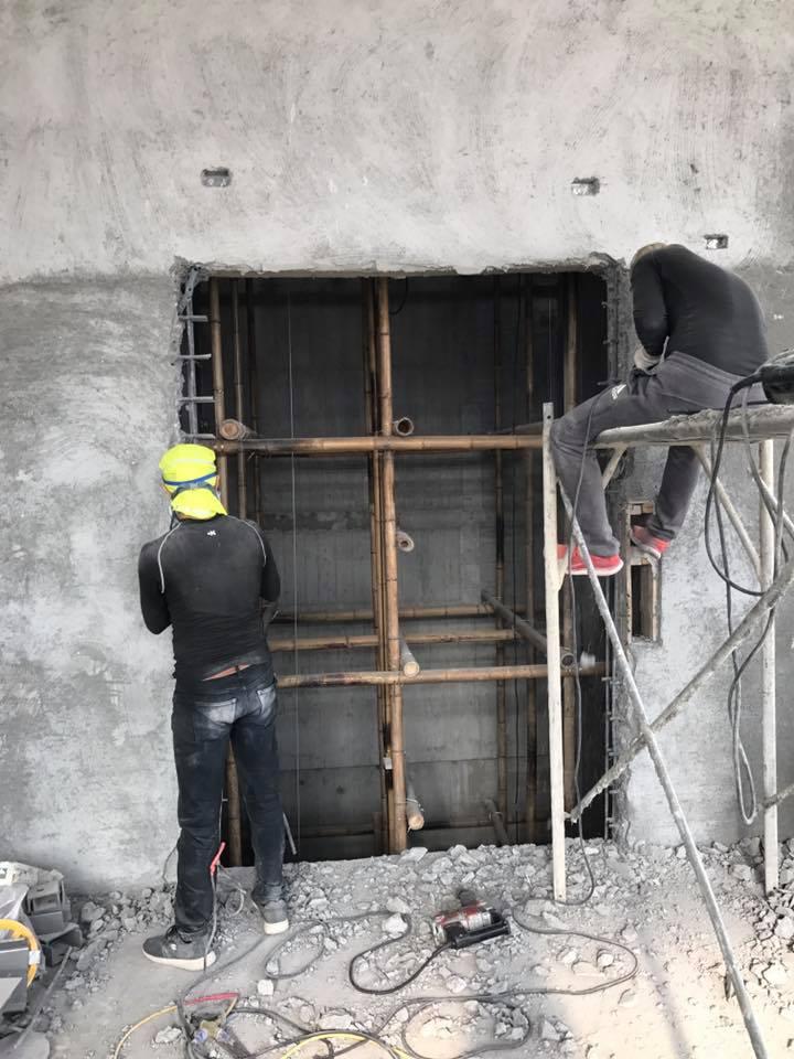 1070101彰化社頭織襪工廠電梯門拓寬打除工程